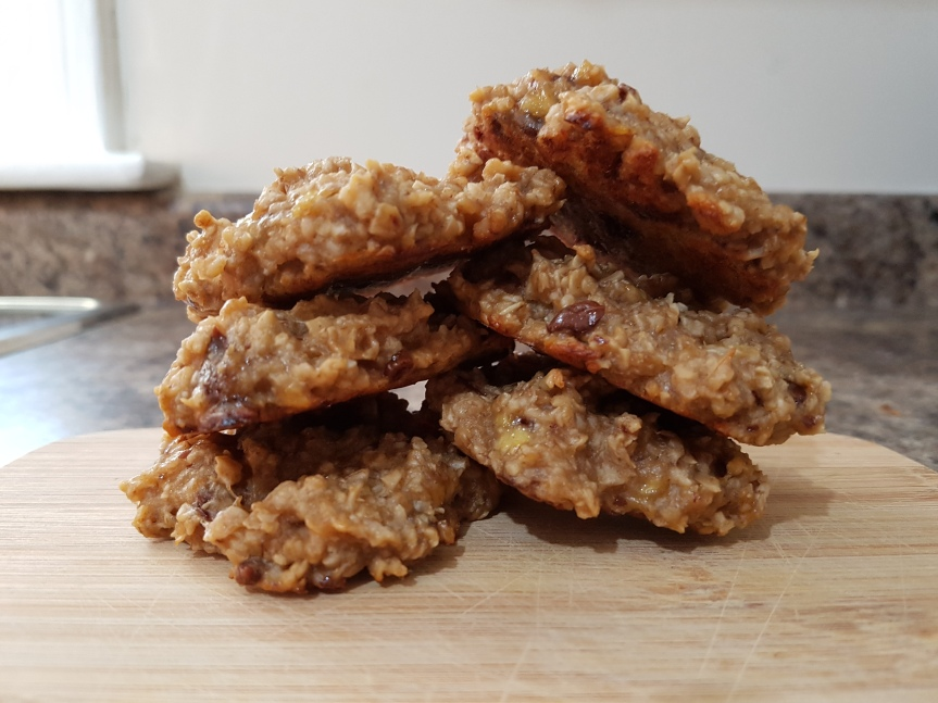 Healthy Banana Oatmeal Cookies! (Gluten and Lactose Free!)